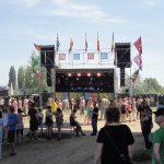 Mono stage